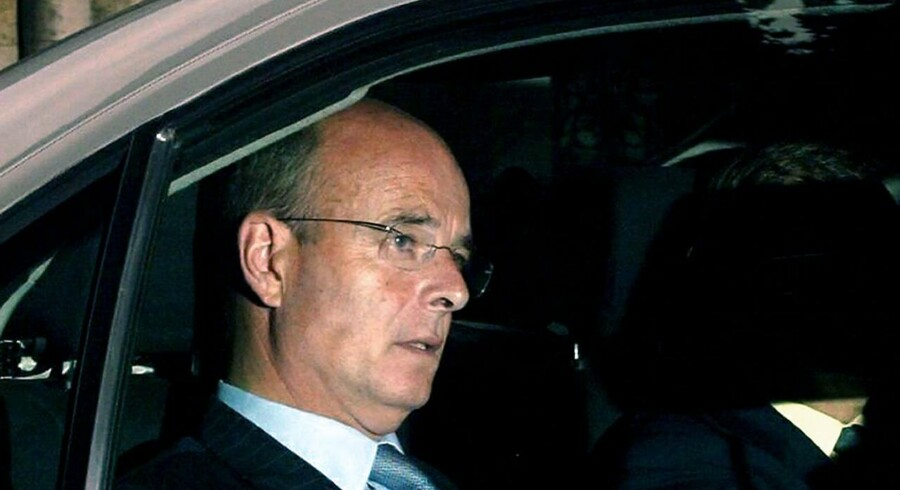 Den tildigere britiske MI6-chef John Scarlett var tidligere på måneden ordstyrer ved en konference, hvor en række spionchefer mødtes med store, globale virskomheder for at diskutere overvågning.