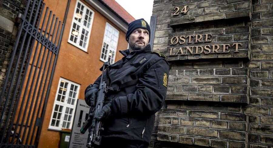 Østre Landsret har tirsdag indledt ankesagen mod Kundbypigen, der i byretten blev dømt for terror.