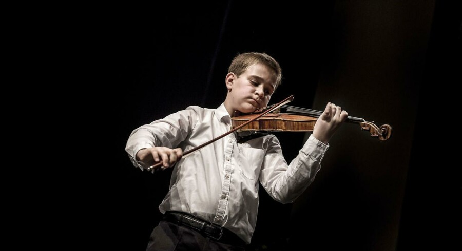 Stefan Burchardt på 12 år spiller violin og vandt både guldmedalje og den eftertragtede talentcheck på 10.000 kr.- som en af de yngste modtagere nogensinde. Foto: Thomas Lekfeldt