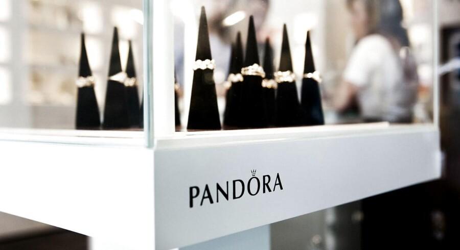 Sølvprisen er på det højeste niveau i omkring to år, og det kan ramme indtjeningen hos den danske smykkeproducent Pandora, der er storforbruger af det ædle metal. (Foto: Morten Germund)