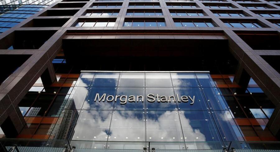 Banken landede en justeret indtjening per aktie på 75 cent mod analytikernes forventning om en indtjening på 60 cent per aktie, viser estimater indsamlet af Bloomberg News.