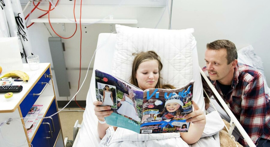 Kristian Ipsen skal betale for frokost og aftensmad på Hillerød Hospital, hvor datteren, Lærke Ipsen er indlagt.