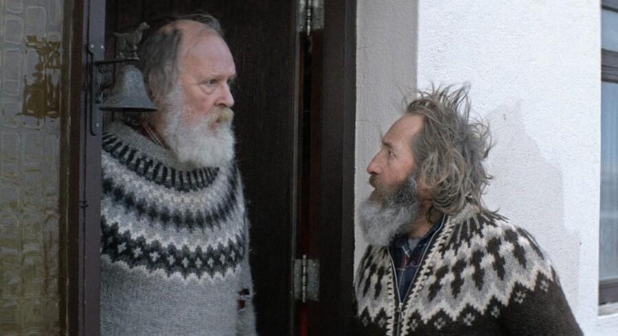 Historien om de to brødre Gummi og Kiddi (Sigurdur Sigurjónsson og Theordór Júliusson) er drama, tragedie, komedie, karakterstudier – og dybt underholdende. Foto: Fra filmen