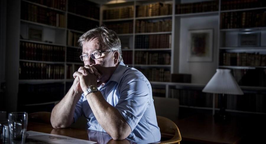 Finansminister Claus Hjort Frederiksen (V) på sit kontor i Finansministeriet, hvor han formentlig skal holde flere møder med Rotschild og Plesner, som staten har valgt som rådgivere i forbindelse med DONGs børsnotering.