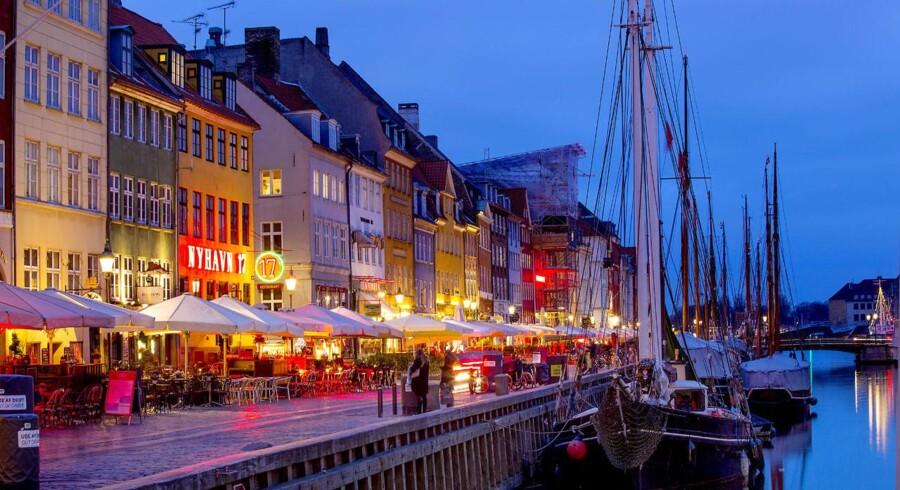 ARKIVFOTO. Aftenstemning i Nyhavn i København.