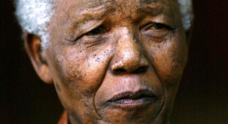 ARKIVFOTO 2005 af Nelson Mandela.