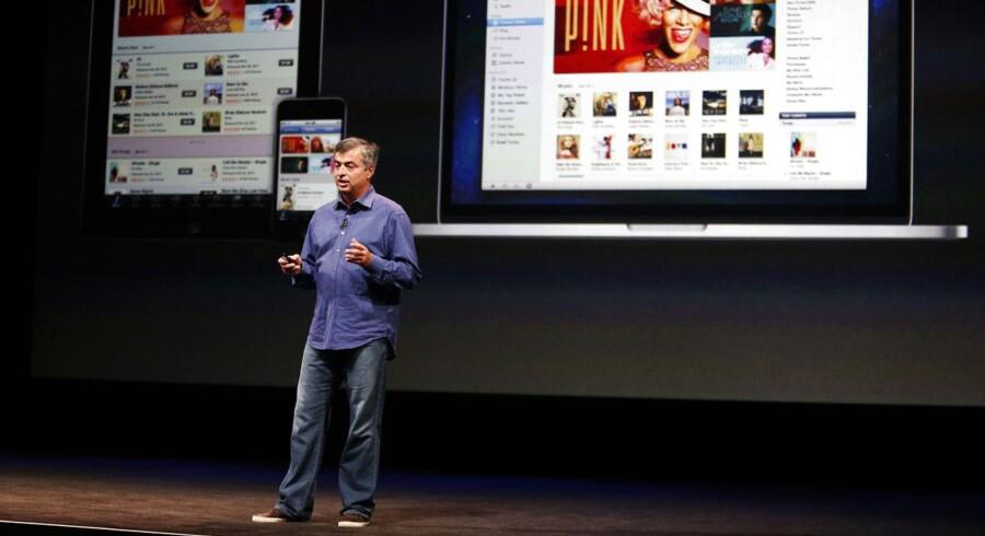Apples ansvarlige for indhold, Eddy Cue, har haft folk i Hollywood for at drøfte muligheden af, at Apple går i gang med selv at producere film og TV-underholdning.