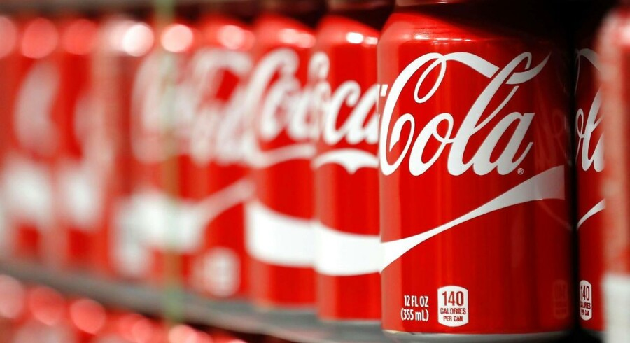 Arkivfoto. Lavere omkostninger og højere priser gav verdenskendte Coca-Cola et bedre regnskab end ventet.