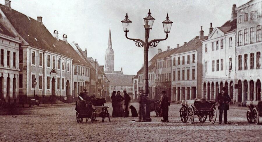 Store Torv ca. 1890. Fra: Connie Jantzen og Tove Engelhardt Mathiassens »Aarhus flashback«.