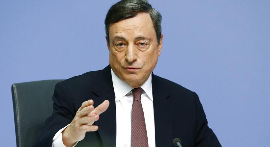 Den Europæiske Centralbank (ECB) opjusterer sit estimat for eurozonens økonomiske vækst målt på bruttonationalproduktet (BNP). For 2017 fastholdes prognosen, mens forventningen til 2018 skrues en smule ned.
