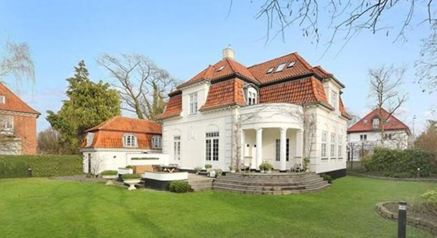 Boligmarkedet står ikke stille for øjeblikket. På årets første otte måneder er der solgt flere villa til meget høje priser, alligevel ventes et nyt top-salg inden længe at slå alle årets rekorder.Foto: Kristian Lützau