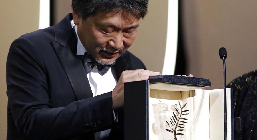 "Årets Guldpalme ved Cannes-festivalen gik til den japanske instruktør Hirokazu Kore-eda for filmen ""Shoplifters"" (Manbiki kazoku). REUTERS/Stephane Mahe"