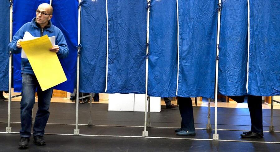 ARKIVFOTO fra afstemning på Vanløse skole. Under efterårets kommunalvalg blev DR og en lang række medier kritiseret for på valgdagen at have anvendt en misvisende såkaldt exit prognose.