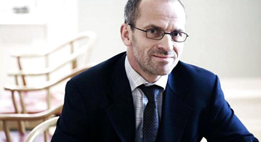 Jeppe Christiansen er adm. direktør i Maj Invest koncernen, der inden for få måneder åbner Danmarks første opsparingsbank – en bank der udelukkende fokuserer på at hjælpe kunderne med viden og faglighed om opsparing og investeringer.