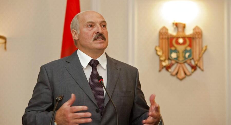 Hvideruslands præsident, Aleksander Lukashenko, vil ulovliggøre arbejdsløshed.