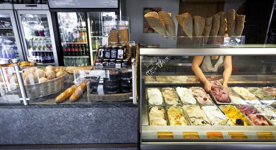 Bagermesteren på Enø har udvidet butikken med et ismejeri.