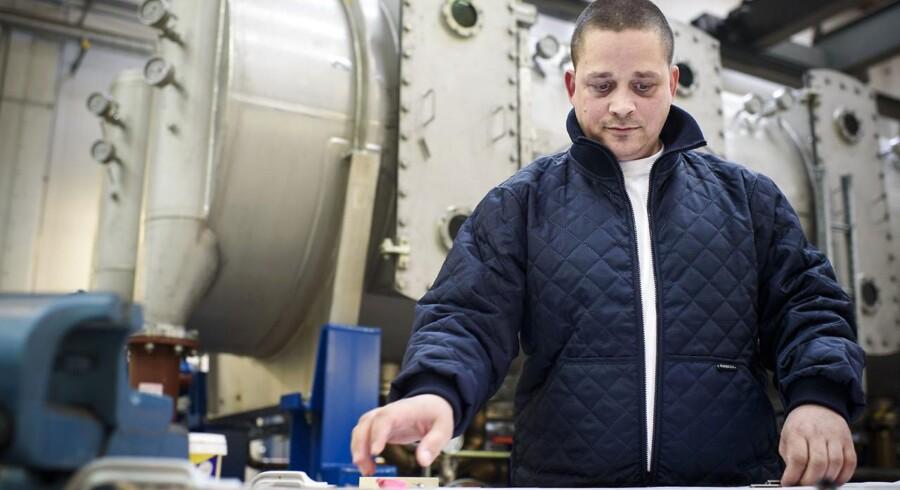 David Rosenquist er smed og arbejder på ALFA Laval. Alfa Laval melder om en ordreindgang, der faldt med 9 pct. til 8,10 mia. svenske kr. i forhold til samme kvartal året før.