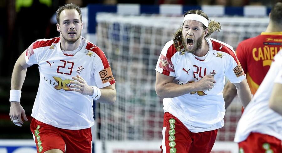 De danske landsholdsstjerner skal vænne sig til nye regler. Her er det Mikkel Hansen og Henrik Toft Hansen
