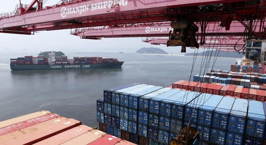 """Containerrederier Hanjin Shipping, Hapag-Lloyd, """"K"""" Line (Kawasaki Kisen), Mitsui OSK Lines, Nippon Yusen Kaisha og Yang Ming har indgået aftale om en ny stor alliance på alle vestgående ruter. Det fremgår af en meddelelse fredag morgen."""