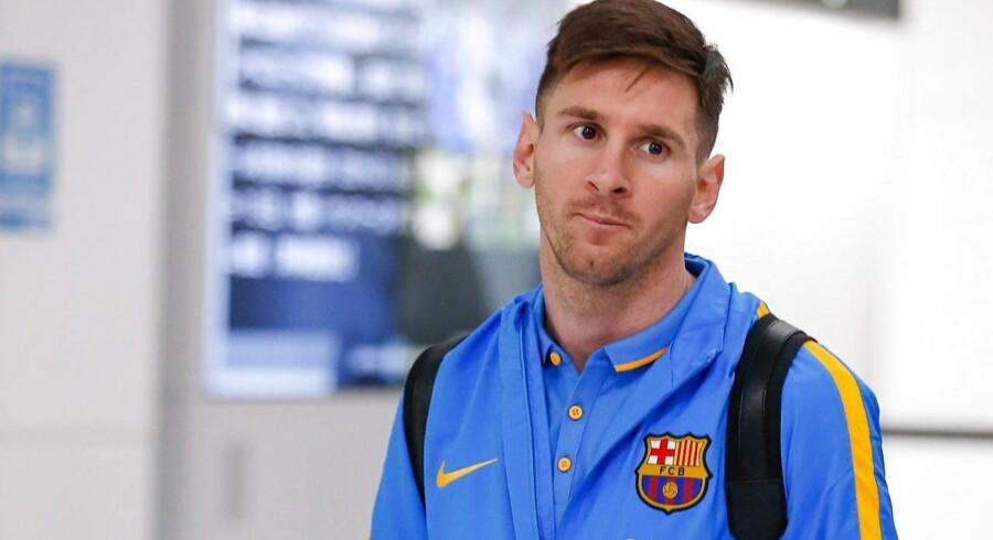 Messi benægter alt.