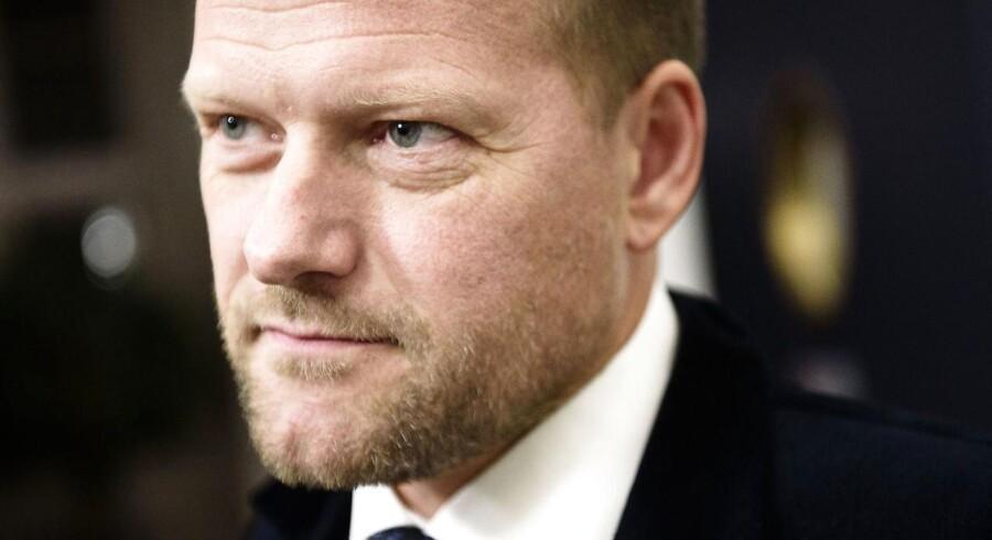 Dansk Folkeparti glæder sig over, at regeringen arbejder for, at produktionen af gas og olie forsætter i Nordsøen. Det siger DF's finansordfører, René Christensen.