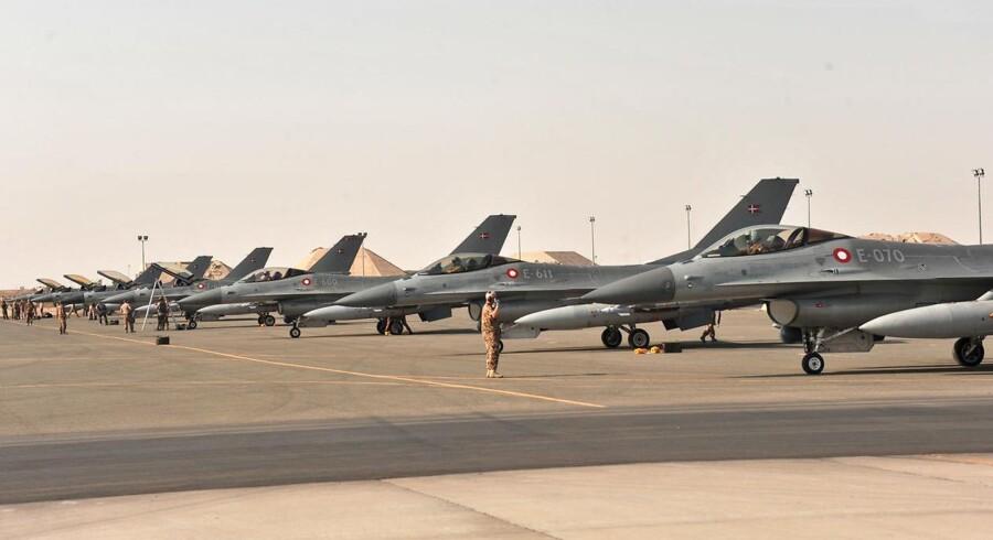 ARKIVFOTO 2014 af danske F-16 kampfly på Ahmed Al Jaber basen i Kuwait - F16 flyene er i øjeblikket trukket hjem (Foto: Pressebilleder fra Flyvevåbnet/Scanpix 2015)