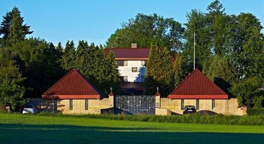 Huset i Sønderjylland ligger på en knap 6.000 kvadratmeter stor grund. Foto: Matador