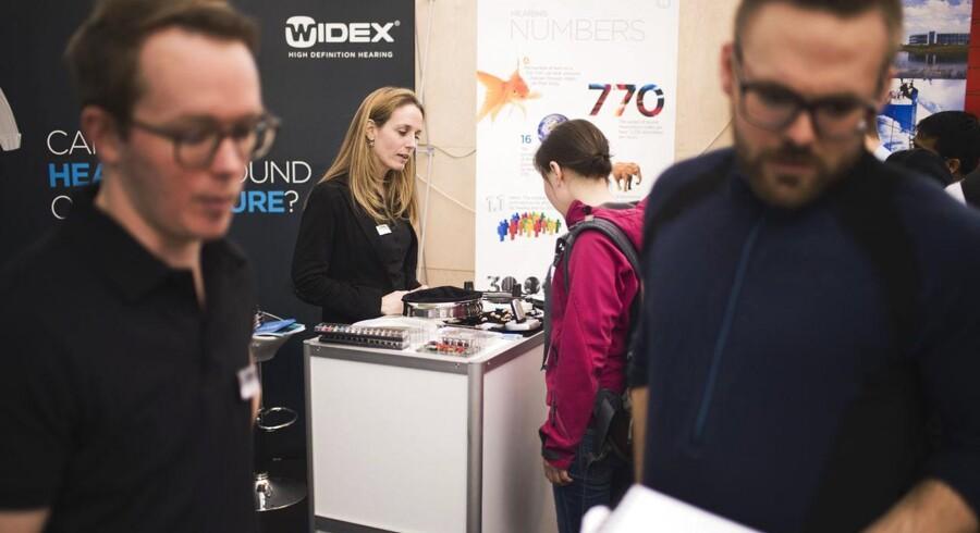 - I de seneste to år har Widex arbejdet på at strømline og styrke det globale salg og den globale produktion. Det har forbedret Widex' generelle præstation og vil gøre det muligt for selskabet at vinde yderligere markedsandele i de kommende regnskabsår, skriver selskabet i sit årsregnskab.