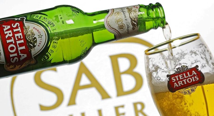 Verdens to største bryggerier annoncerede fusionsplaner i november, men en svækkelse af pundet skabte utilfredshed i dele af aktionærkredsen.