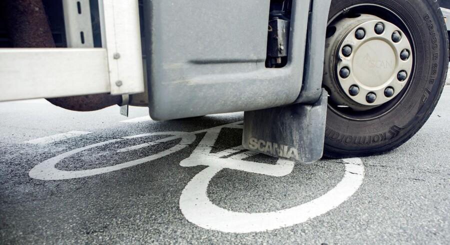 Nye cykelbokse skal gøre det sikrere for cyklister i trafikken.