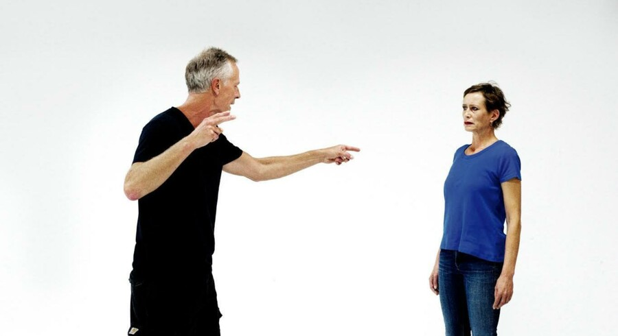 Lars Simonsen og Sarah Boberg er strålende i rollerne som ægteparret, hvis 20 år lange, intense ægteskab har nået sin slutdato. Foto: Morten Kjærgaard