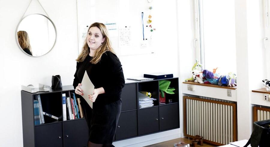 Karen Hækkerup på sit kontor i Landbrug og Fødevarer.