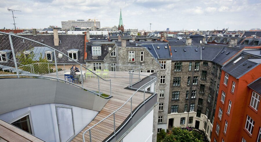 På Nørrebro koster det ifølge Boliga 440.000 kr. for en kælderlejlighed, og i København S koster den billigste lejlighed 775.000 kr., men så skal man heller ikke regne med at indlogere hele familien, da boligen blot breder sig ud over 26 kvadratmeter.