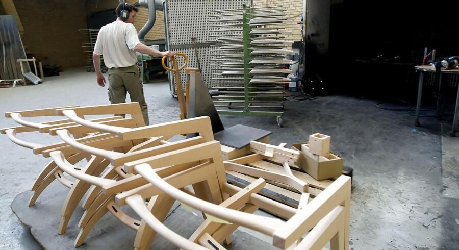 Produktion af Wegner møbler.