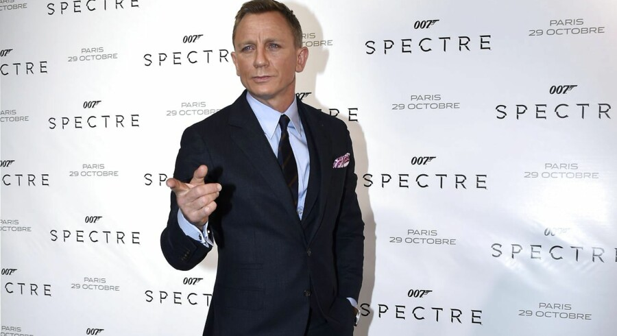British actor Daniel Craig poses during the French premiere of the new James Bond film 'Spectre' on October 29, 2015 in Paris. AFP PHOTO / MIGUEL MEDINA
