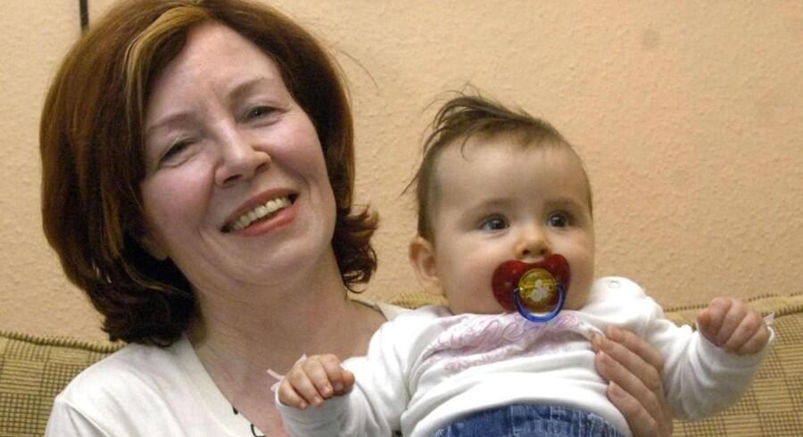 65-årige Annegret Raunigk fødte i tirsdags firlinger ved kejsersnit.