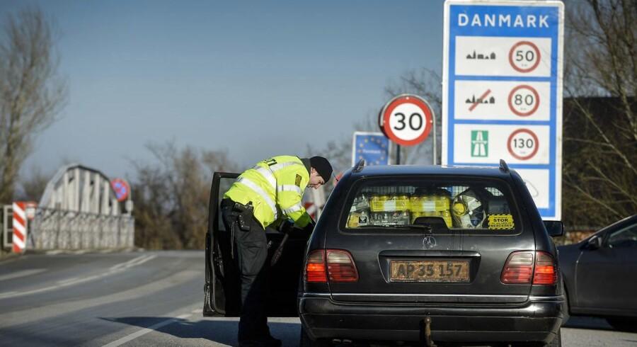 Grænsekontrol ved Aventoft grænseovergangen ved den dansk-tyske grænse tirsdag den 5. januar 2016. ©2016 Palle Peter Skov/Scanpix