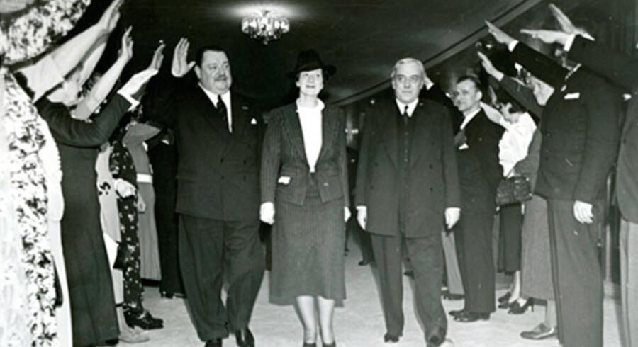 Heinrich George, Bodil Ipsen og Cai Hegermann-Lindencrone. Foto: Teatermuseet