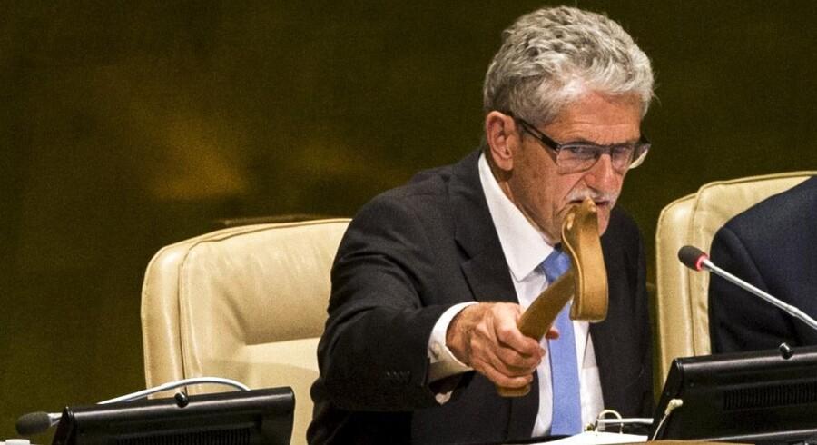 »Tag flere flygtninge eller giv flere penge til nærområderne og helst begge dele,« lyder det fra Mogens Lykketoft, der her ses i aktion som formand for FNs generalforsamling. Foto: Lucas Jackson