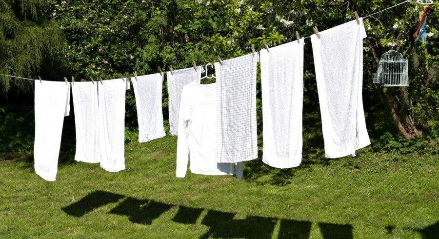 ARKIVFOTO. Dit nyvaskede tøj dufter godt og ser rent ud, men det vrimler potentielt med sygdomsfremkaldende colibakterier.