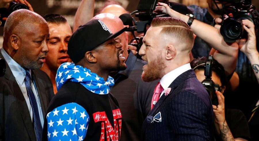 Floyd Mayweather og Conor McGregor mødtes til et pressemøde i Los Angeles d. 11. juli.