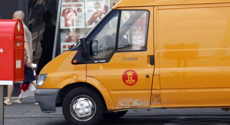 Postbil fra Post Danmark.