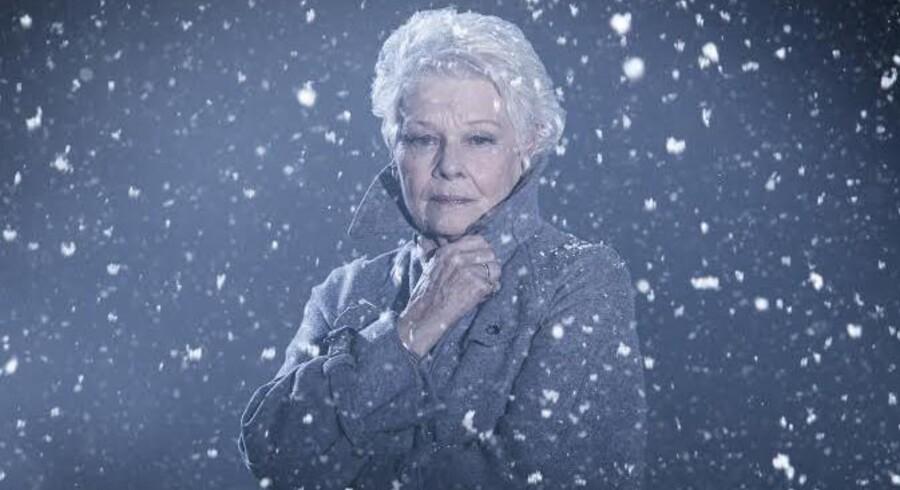 Judi Dench som Paulina i Kenneth Branaghs ?opsætning af Shakespeares »Et vintereventyr«. Foto: Kenneth Branagh Theatre Company