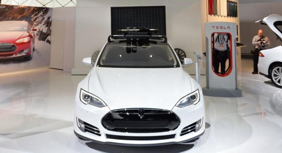 Apple er angiveligt interesseret i at købe den amerikanske elbils producent Tesla Motors,