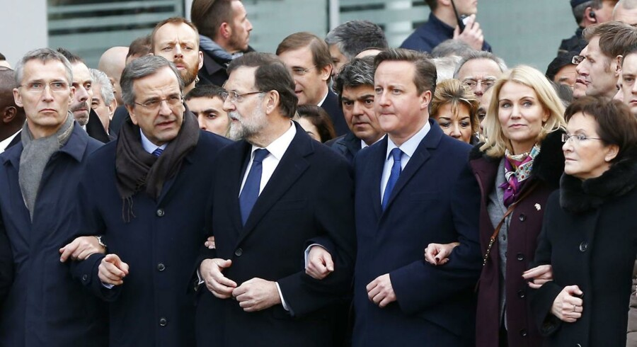Den danske statsminister Helle Thorning-Schmidt (tv) med statsledere fra andre lande til march i Paris.