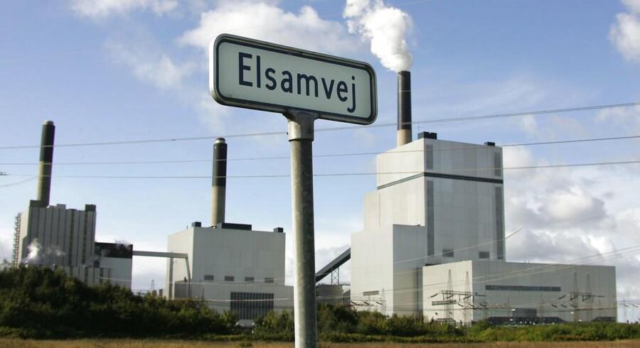 På to år er elprisen faldet med 40 pct., og det går ud over afkastet i de pensionsselskaber, som har investeret milliarder i vindmøller.