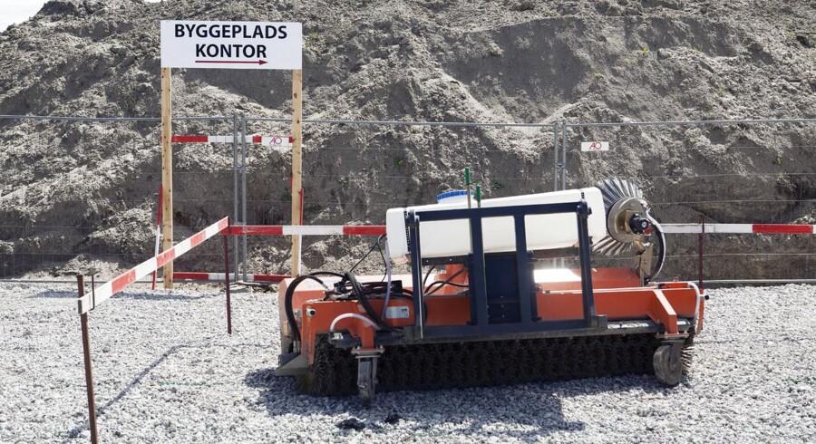 Forberdelserne til byggeriet af Femern-forbindelsen er så småt i gang ved Rødbyhavn.