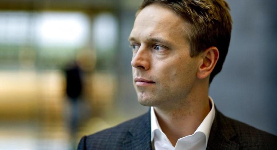 Tue Mantoni forlader Bang & Olufsen i god forståelse med selskabets bestyrelse og formand, Ole Andersen, der understreger, at der ikke er tale om en fyring af topchefen.
