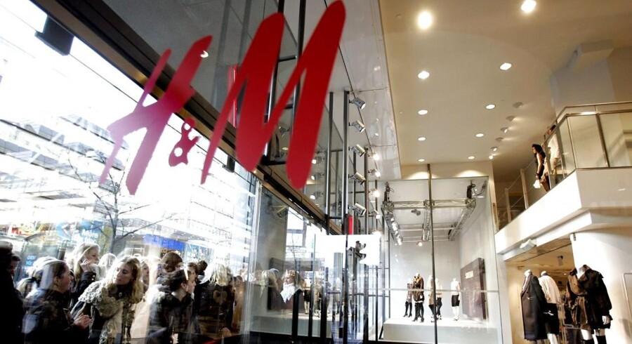 I Danmark har H&M i 2015 omsat for 5,4 milliarder svenske kroner, svarende til 4,4 milliarder danske kroner og en fremgang på seks procent.