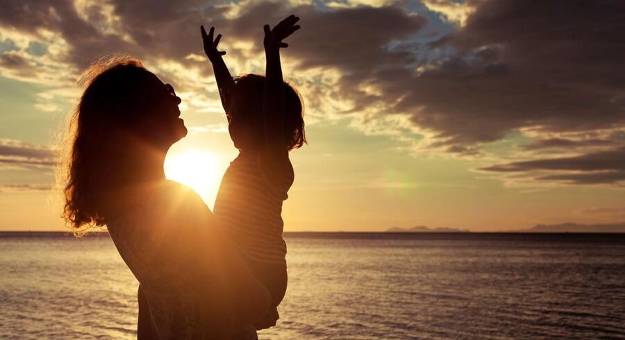 »Det er derfor afgørende, at vi forholder os mere kritisk til den udvikling, der sker i fænomener som singlemødre, da den er et udtryk for, at vi i det moderne samfund i stigende grad ikke behøver tænke på andre end os selv for at opnå det, vi ønsker i livet,« skriver Rasmus Ulstrup Larsen, gymnasielærer, cand.merc.fil. og medlem af Konservativ Ungdom, København i et debatindlæg.